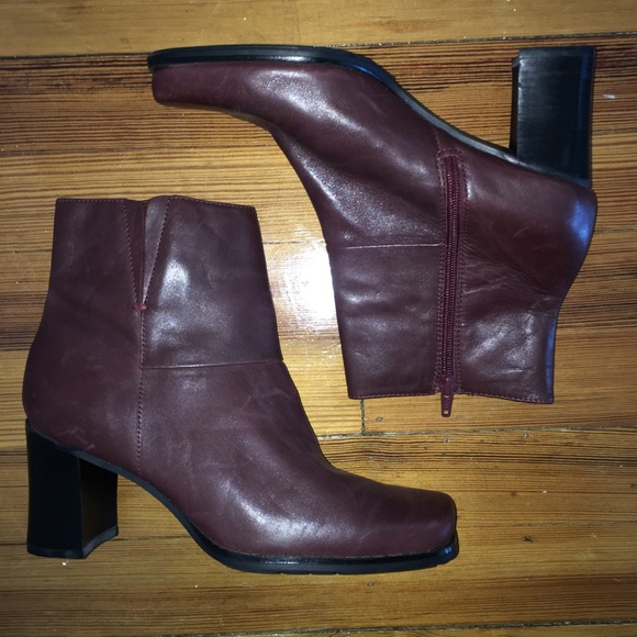 Bass Shoes - Burgundy Ankle Boots/ Booties